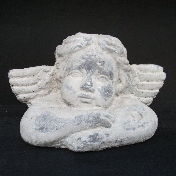 Engel aus Betonstein Bild 1