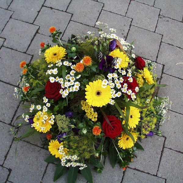 Trauergesteck Bunt (rund) Bild 1