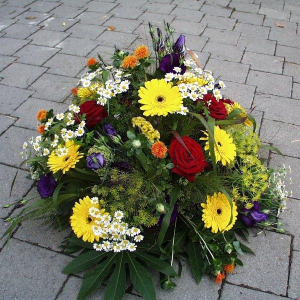 Trauergesteck Bunt (rund) Bild 2