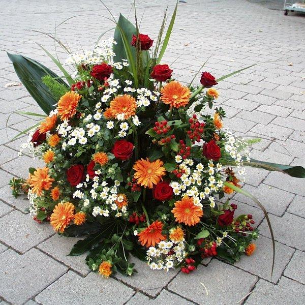 Trauergesteck Orange (rund) Bild 1