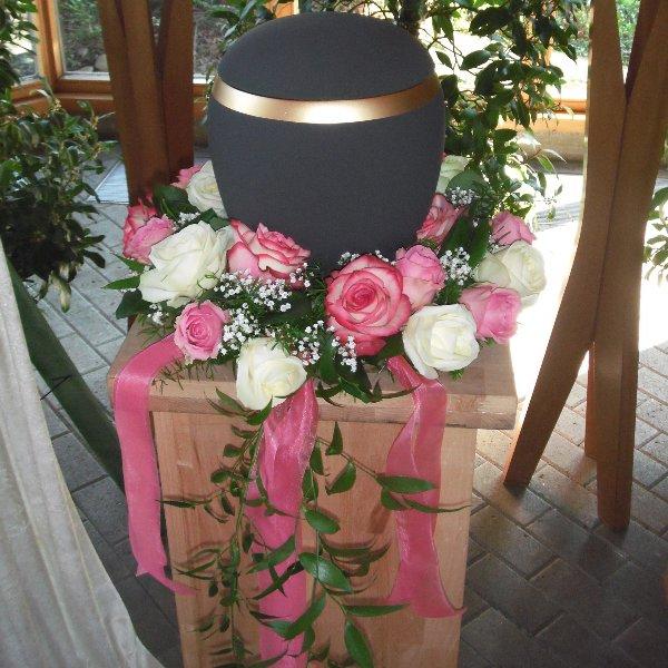 Urnenkranz Rosa Bild 1