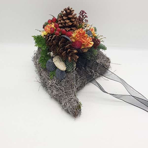 Moosherz mit Schnitblumen Bild 1