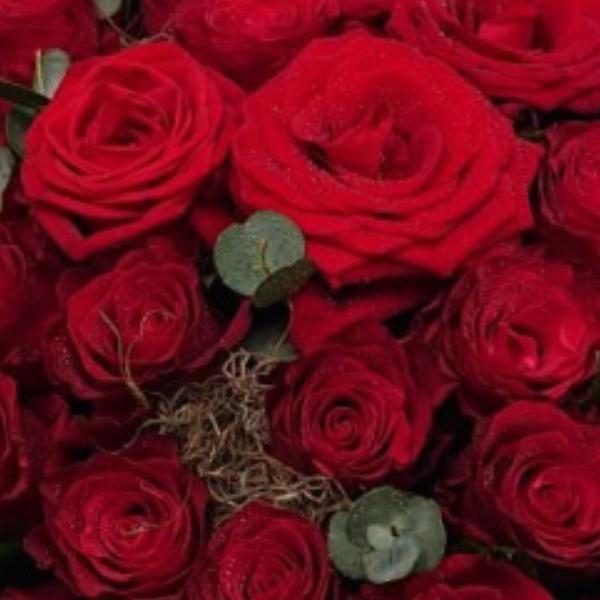 Trauergesteck Herzform - Rot Bild 1