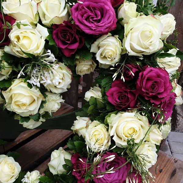 Trauerherz in weiß/pink(Unterlage 60cm) Bild 2
