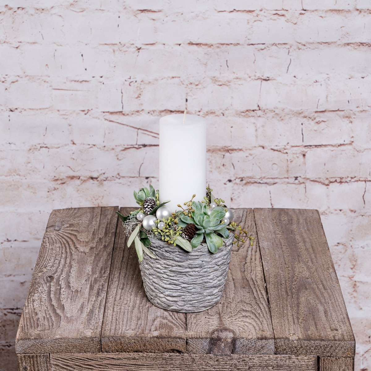 Kleines Kerzengesteck In Silber-Grün Tönen Bild 1