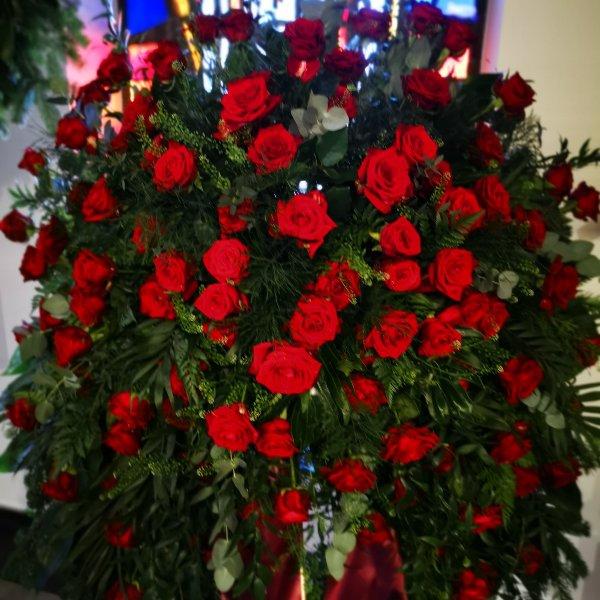 Trauerkranz klassisch Rose only Bild 1