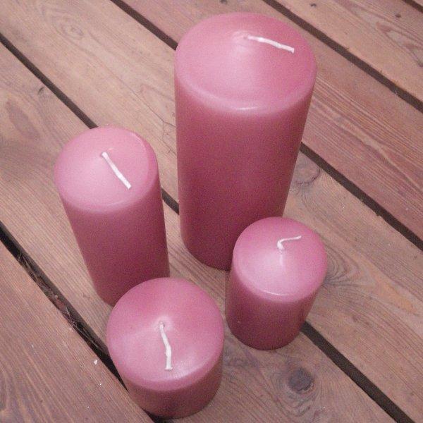 Kerzen in staubrosa in unterschiedlichen Größen Bild 1