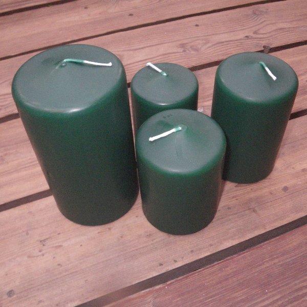 Kerzen in jagdgrün in unterschiedlichen Größen Bild 1