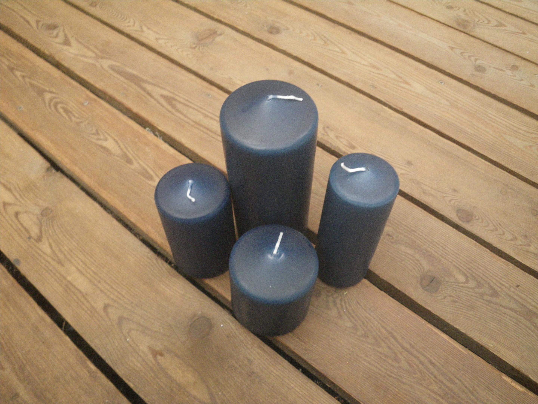 Kerzen in dunkelblau in unterschiedlichen Größen Bild 1