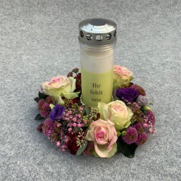 individuell bedruckte Kerze mit Kränzchen Bild 1