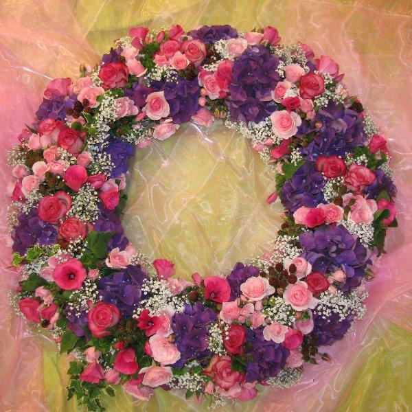 Trauerkranz rundgesteckt rosa/weiss/blau Bild 1