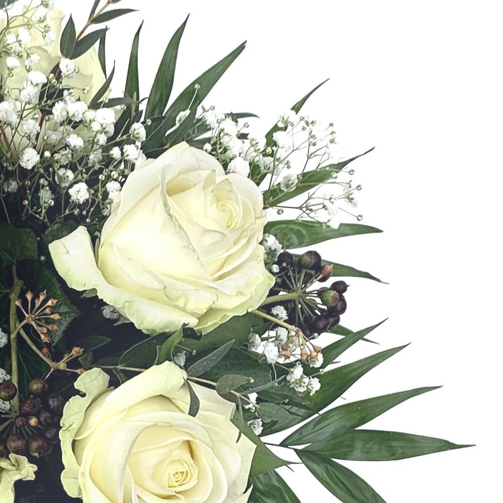 Strauß mit weissen Rosen Bild 2