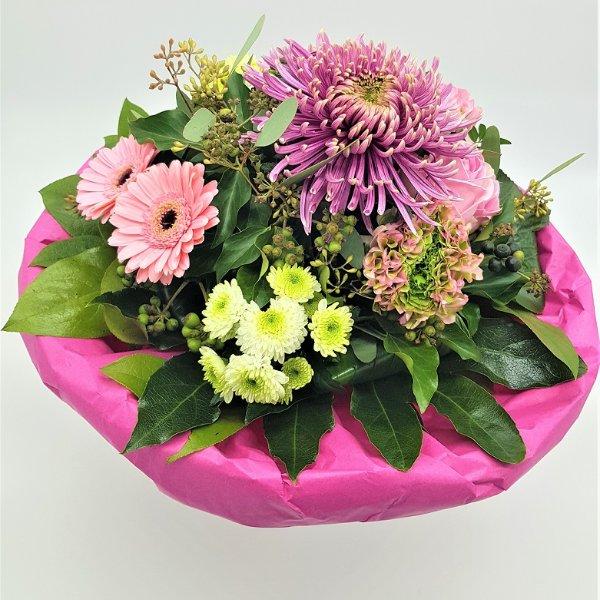 Blumenstrauß mit Dekochrysantheme und Germini in pink Bild 2