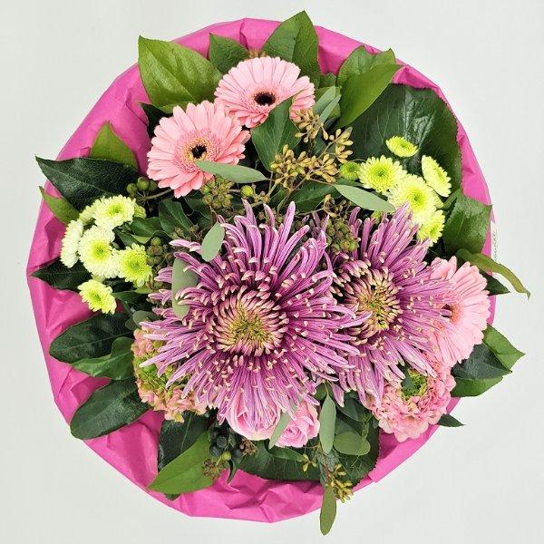 Blumenstrauß mit Dekochrysantheme und Germini in pink Bild 3