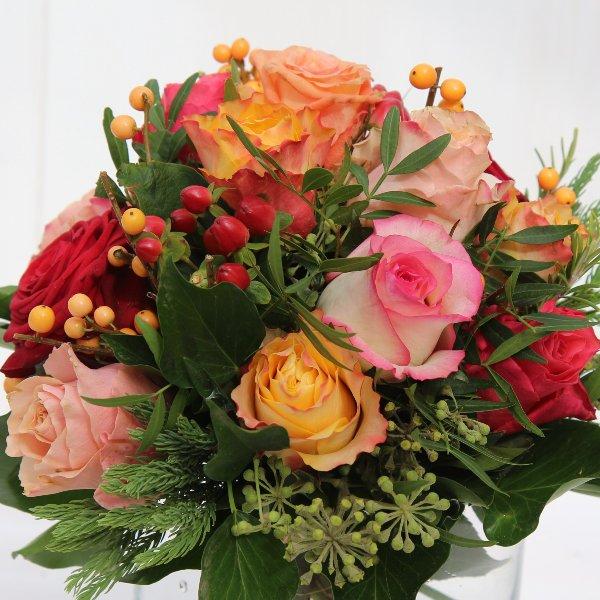 Strauß mit bunten Rosen Bild 1