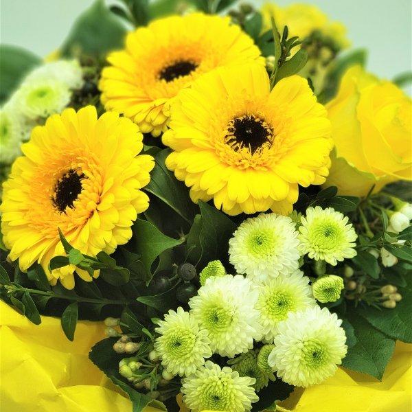 Blumenstrauß in gelb Bild 3