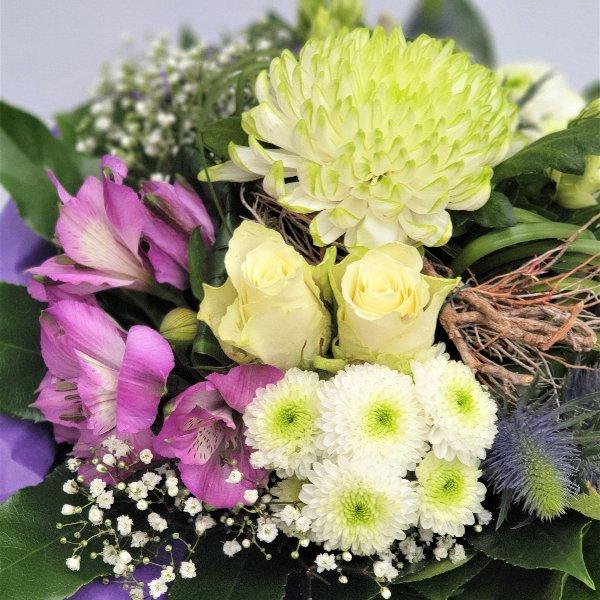 Blumenstrauß Ton- in- Ton lila/weiß Bild 3