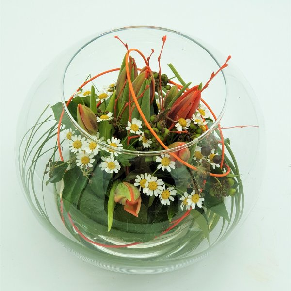Frühlingsschale mit Tulpen Bild 1