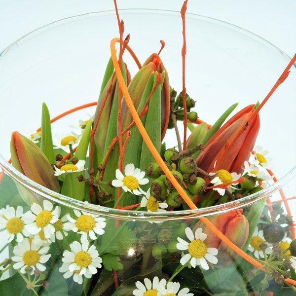 Frühlingsschale mit Tulpen Bild 3