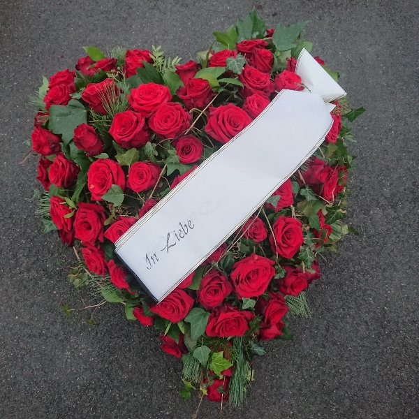 Herz-Bukett mit roten Rosen Bild 2