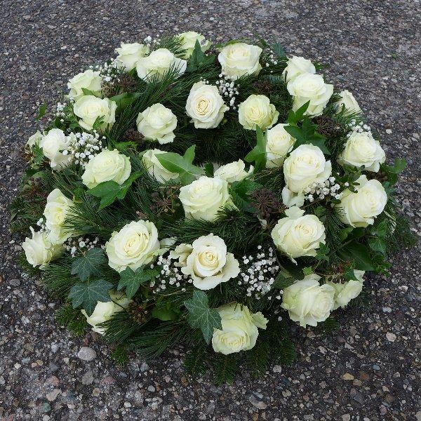 Urnenkranz mit Rosen Bild 2