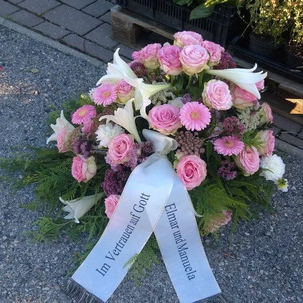 Bukett mit Rosen und Lilien Bild 2