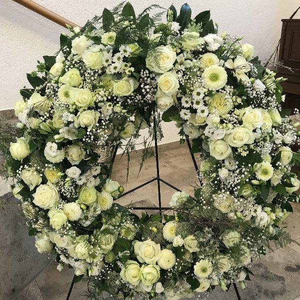 Blütenkranz weiß Bild 1