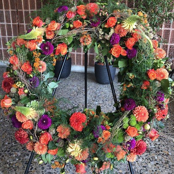 Blütenkranz orange Bild 1