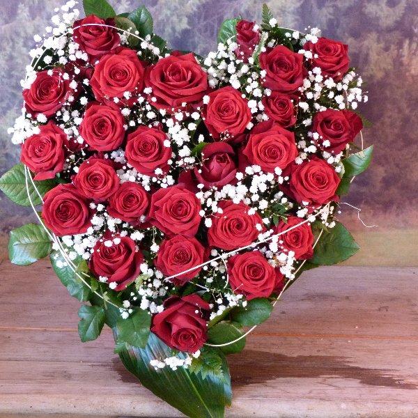 Herzförmiges Trauergesteck Rosen Bild 7