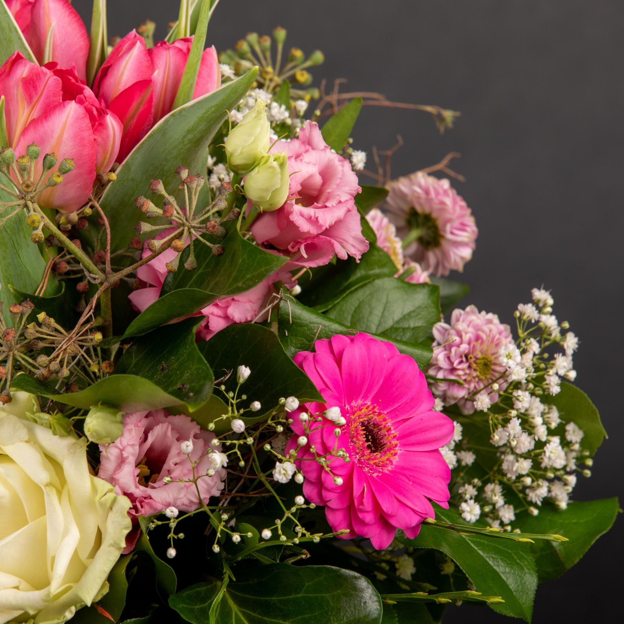 Blumenhandwerk-Abo Größe S     Straußwert € 20,- Bild 5