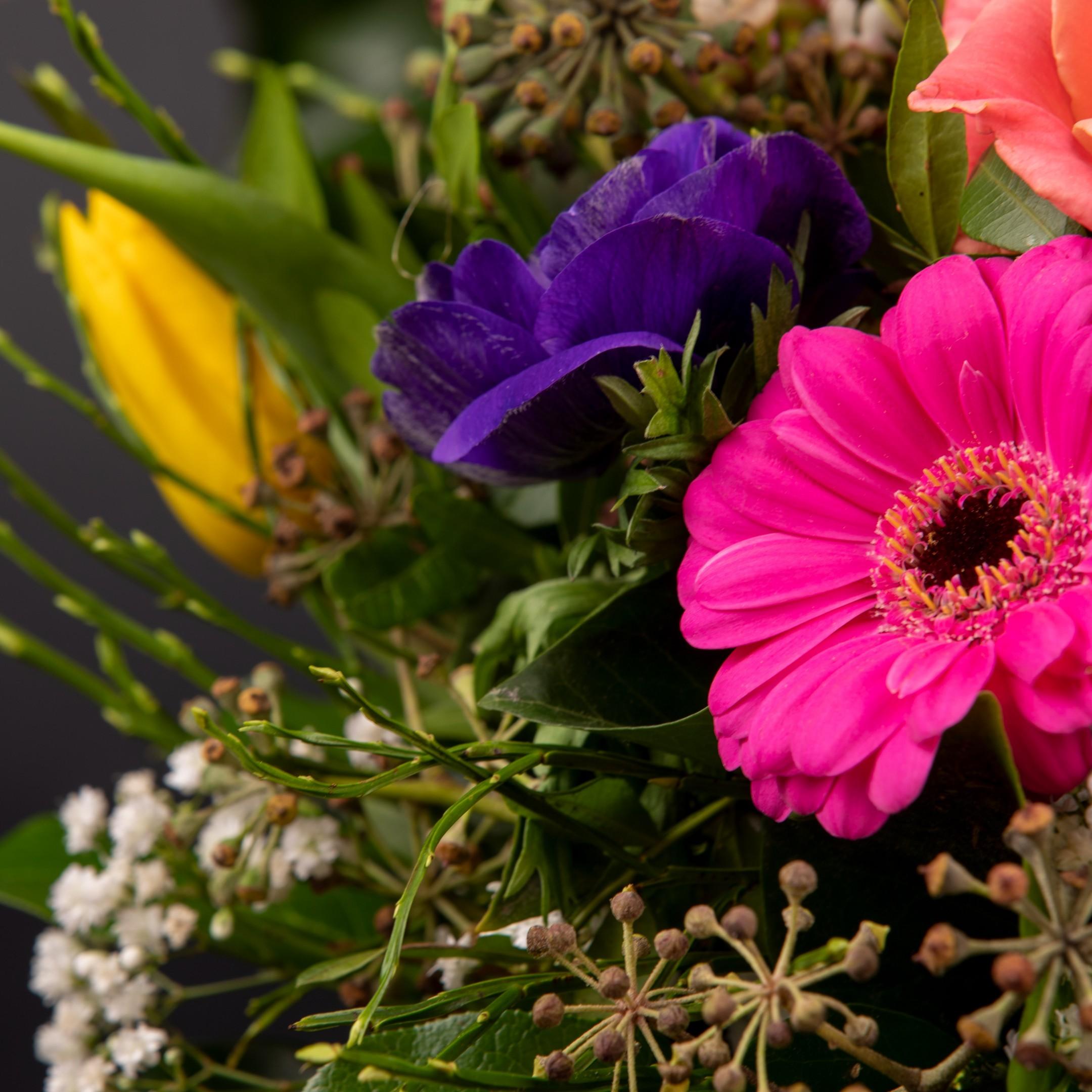 Blumenhandwerk-Abo Größe M     Straußwert € 30,- Bild 3