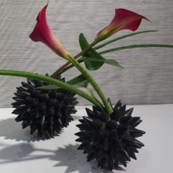 Vase gefüllt aus Knochenporzellan Bild 1