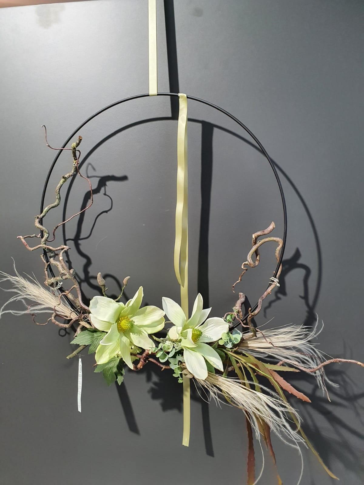Loop mit Seidenblumen bestückt Bild 1