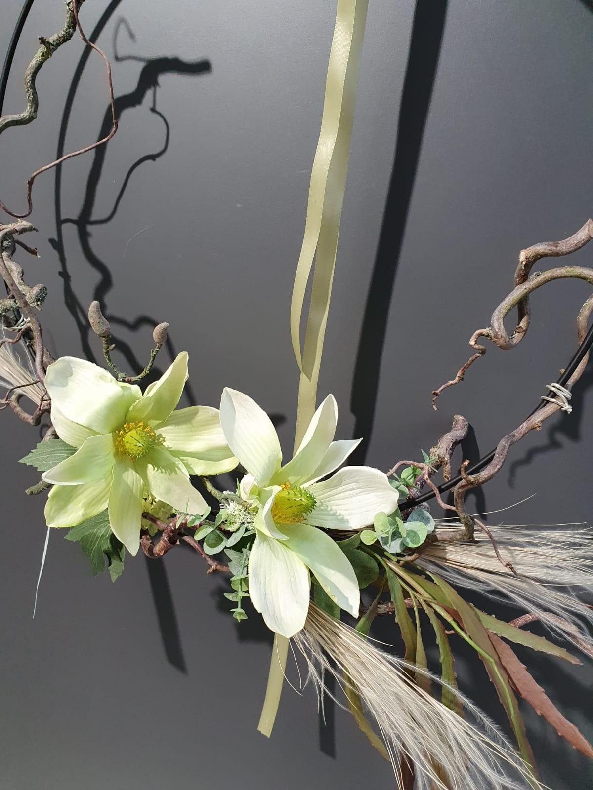 Loop mit Seidenblumen bestückt Bild 2
