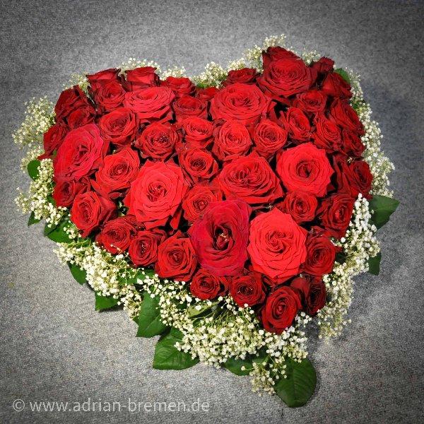 Rote Rosen/Schleierkraut-Herz Bild 1
