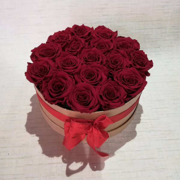 B1  Rosenbox aus  ca 16-18  gefriergetrockneten roten  Rosen Bild 1