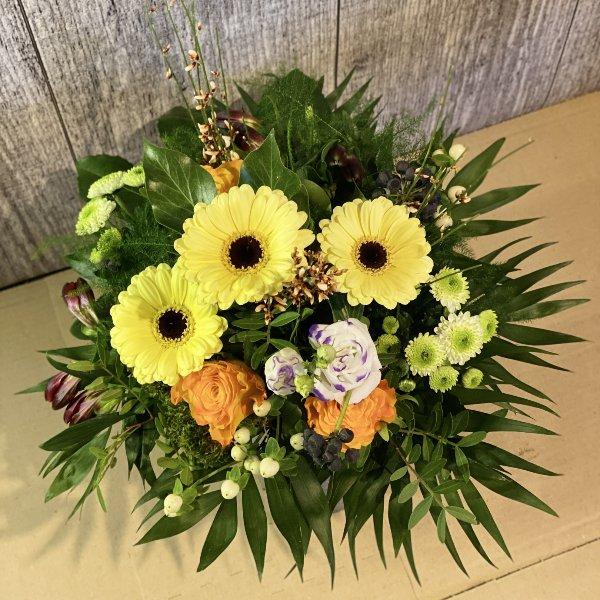Blumenstrauß in Gelbtönen Bild 1
