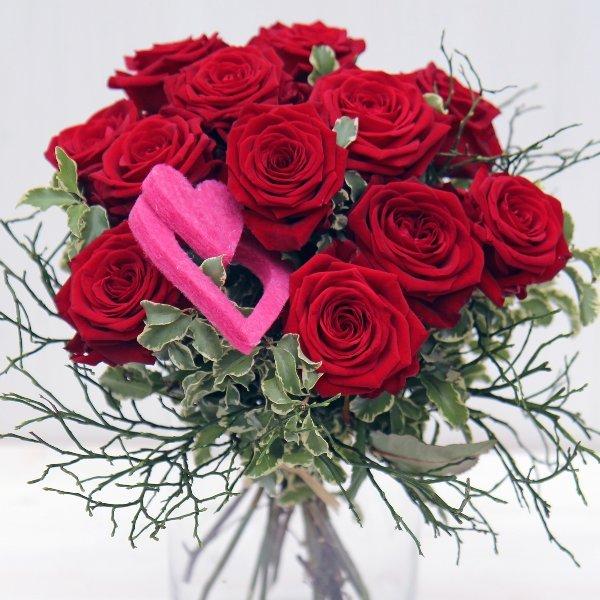 Strauß mit roten Rosen, kurz gebunden Bild 1