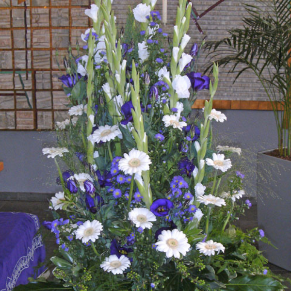 TG 1  Gesteck lila Bild 1