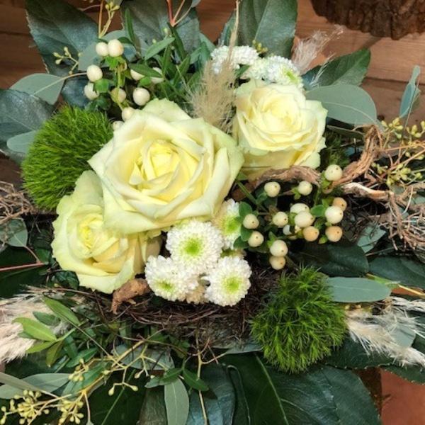 Blumen-Strauß weiß-grün Bild 1