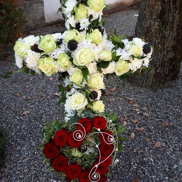 Kreuz mit Herz Bild 1