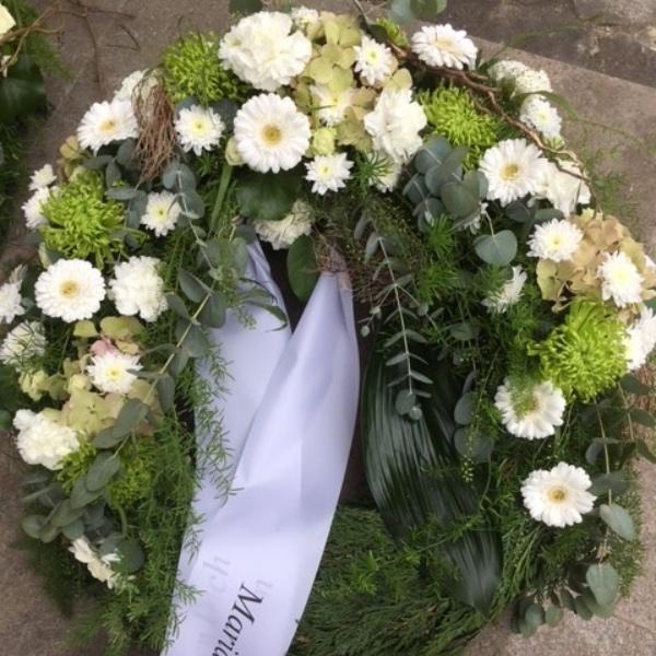 Trauerkranz weiß-grün Bild 1