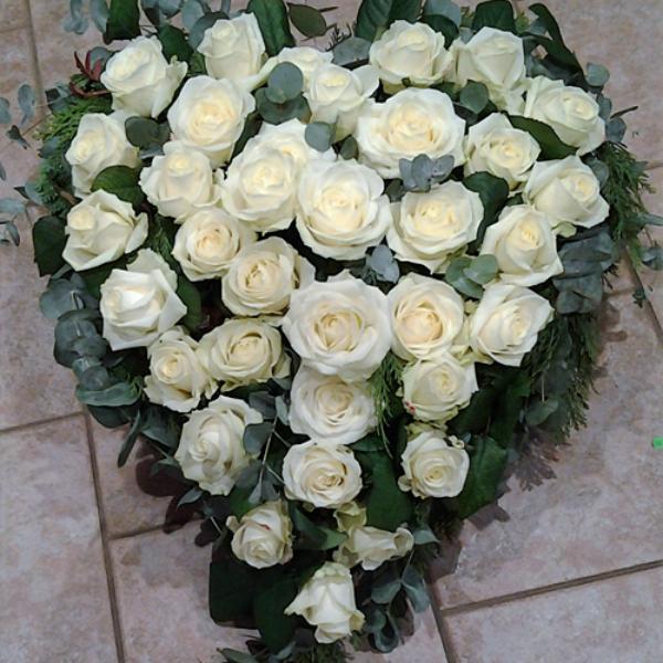DB 3     Herz weiße Rosen Bild 1