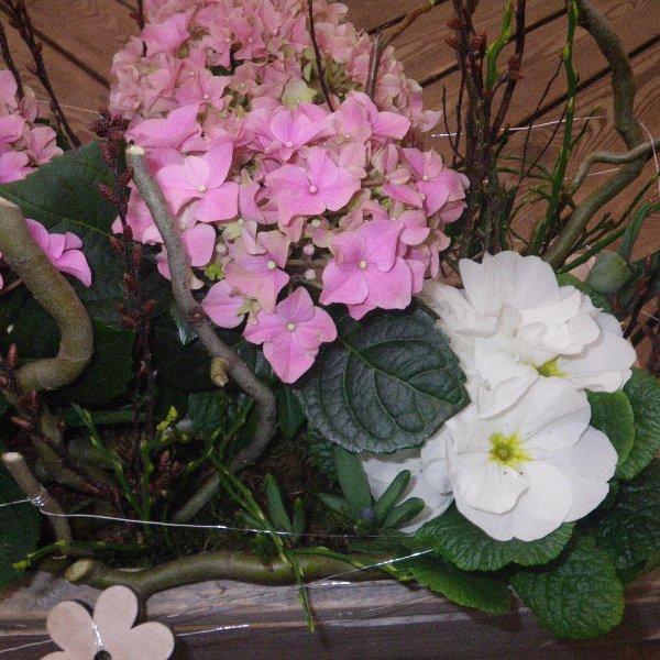 Blumenschale im Holztopf Bild 2