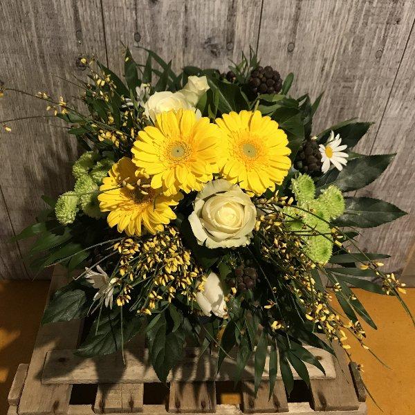 Blumenstrauß in Gelbtönen Bild 2