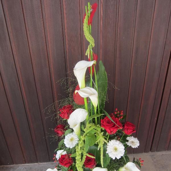 Trauer-Gesteck rot-weiß Bild 2