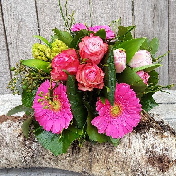 Blumenstrauß in verschiedenen Farben Bild 1