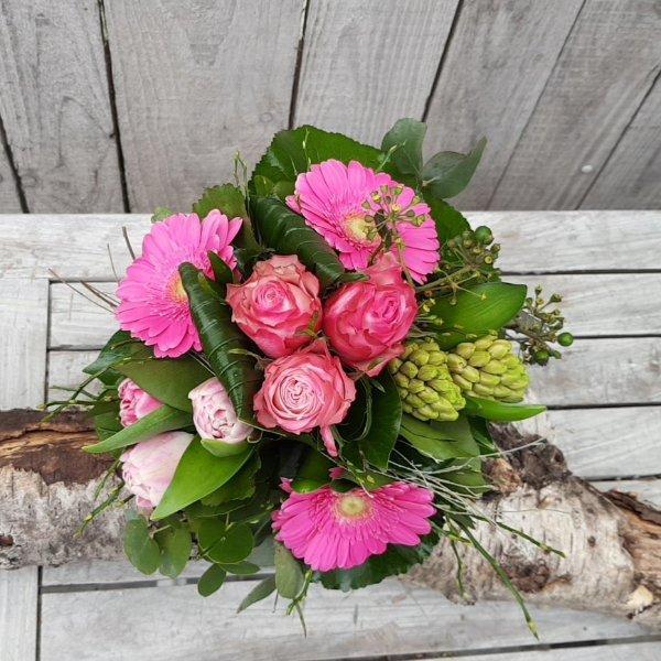 Blumenstrauß in verschiedenen Farben Bild 2