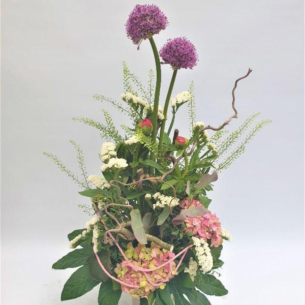 Stufiger Blumenstrauß Bild 1