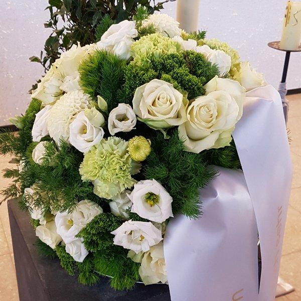 Blumenkugel weiß Bild 1